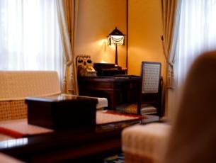 【貴賓室を見学!】本館デラックスルームで過ごす秋の浪漫